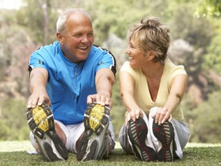 Following a regular exercise routine can help individuals with arthritis to keep their joints flexible. (©iStockphoto/Thinkstock)